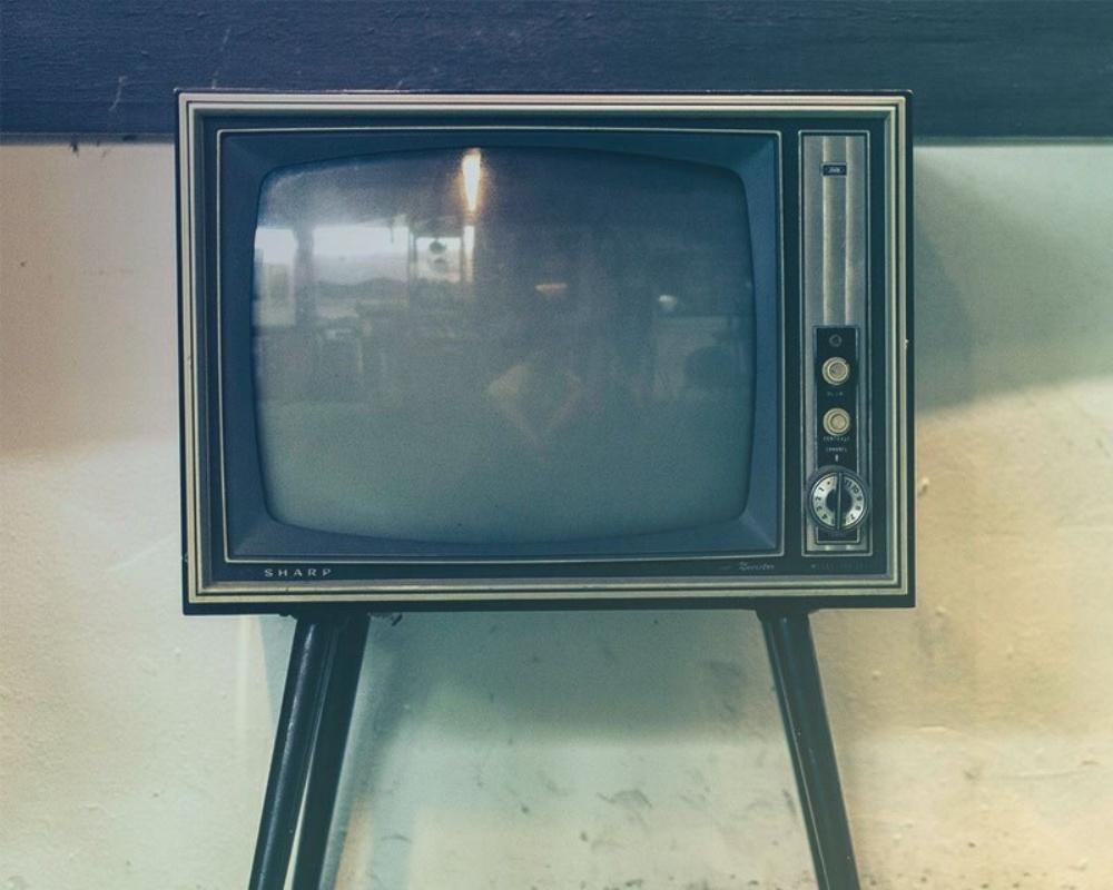 22237-33-ProgramaticTV-Renee[1]-041155-edited.jpg