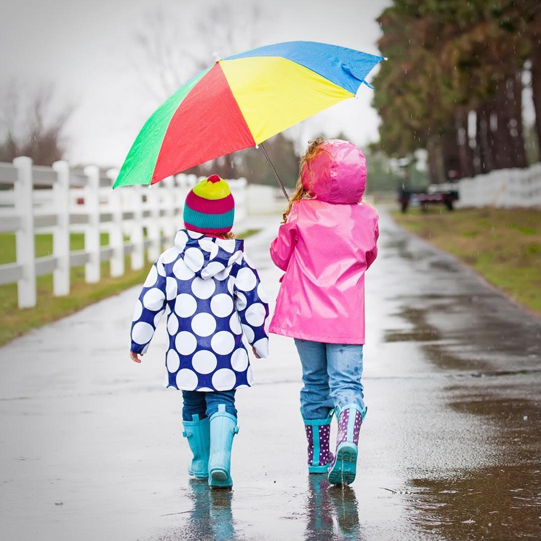 Walk_in_the_rain.jpeg