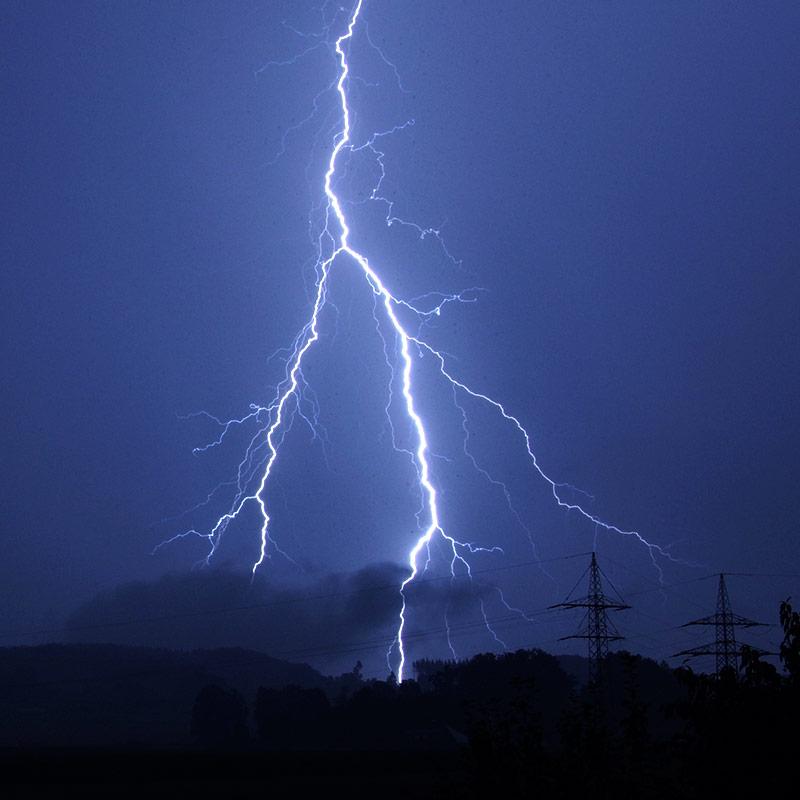 Lightning_Bolt.jpeg