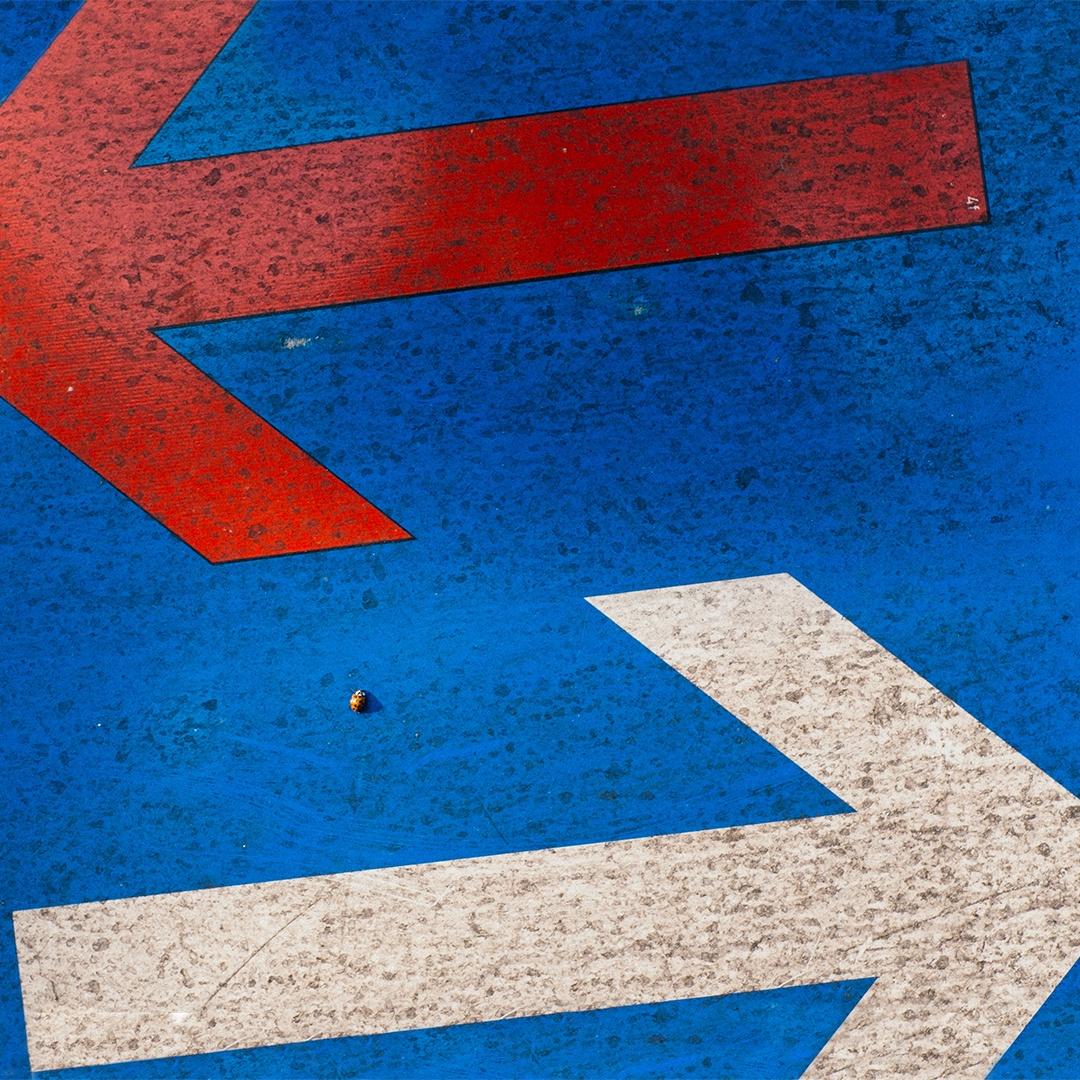 right-and-left-arrow_copy.jpg