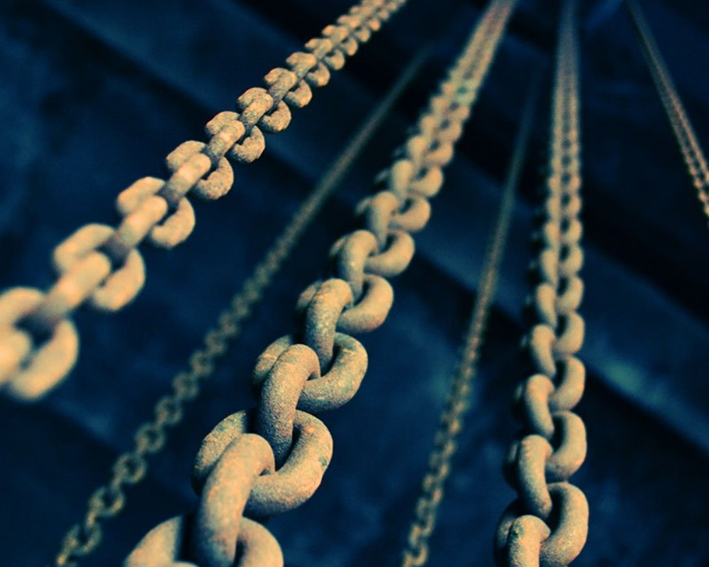 Chains-with-Links-431196-edited.jpg
