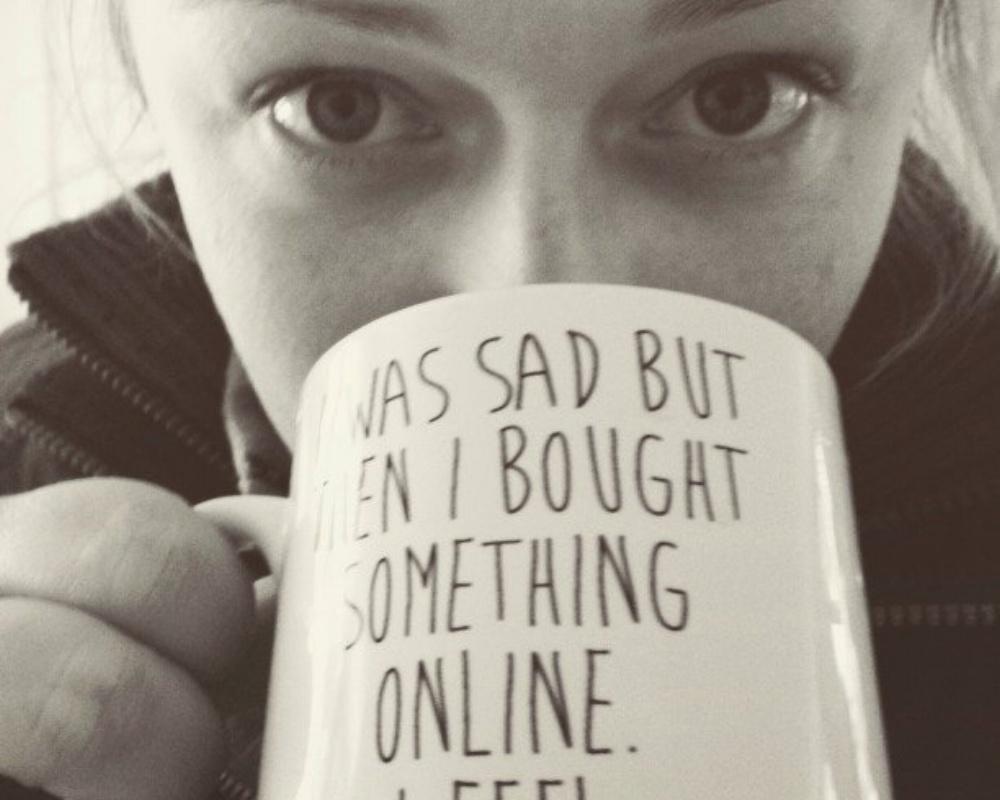 Girl_Drinking_Coffee-523138-edited.jpeg