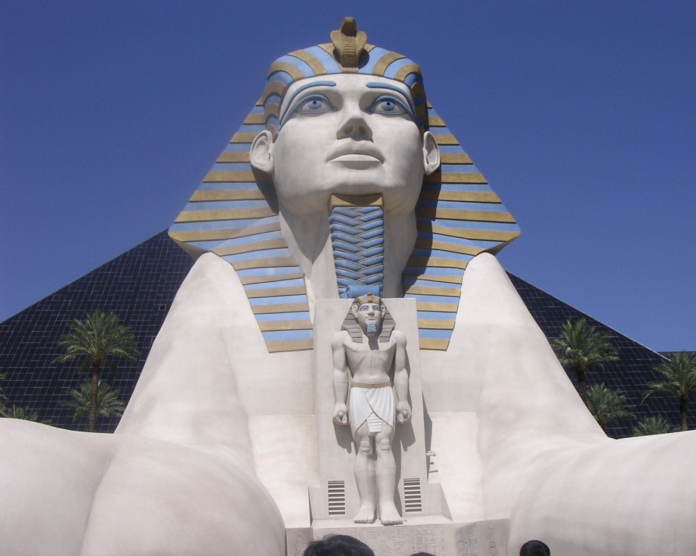 Luxor-346870-edited.jpg