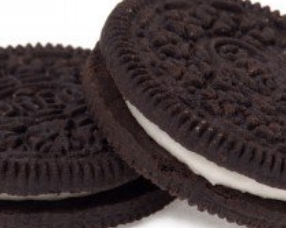Oreo-Two-Cookies-210x210-168512-edited.jpg
