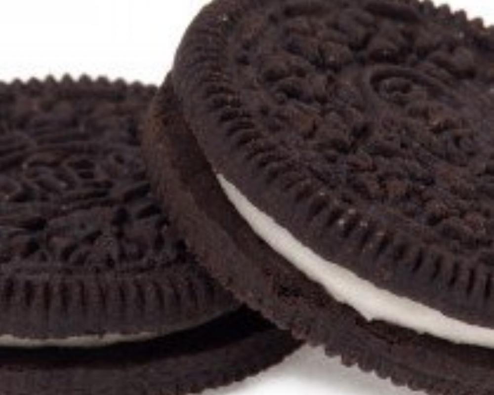 Oreo-Two-Cookies-210x210-168512-edited.jpg
