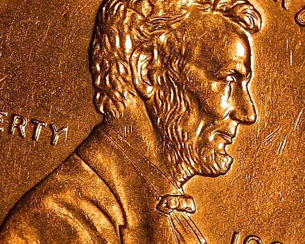 Penny_cents_copper_Lincoln_coin_macro_copy-247176-edited.jpg