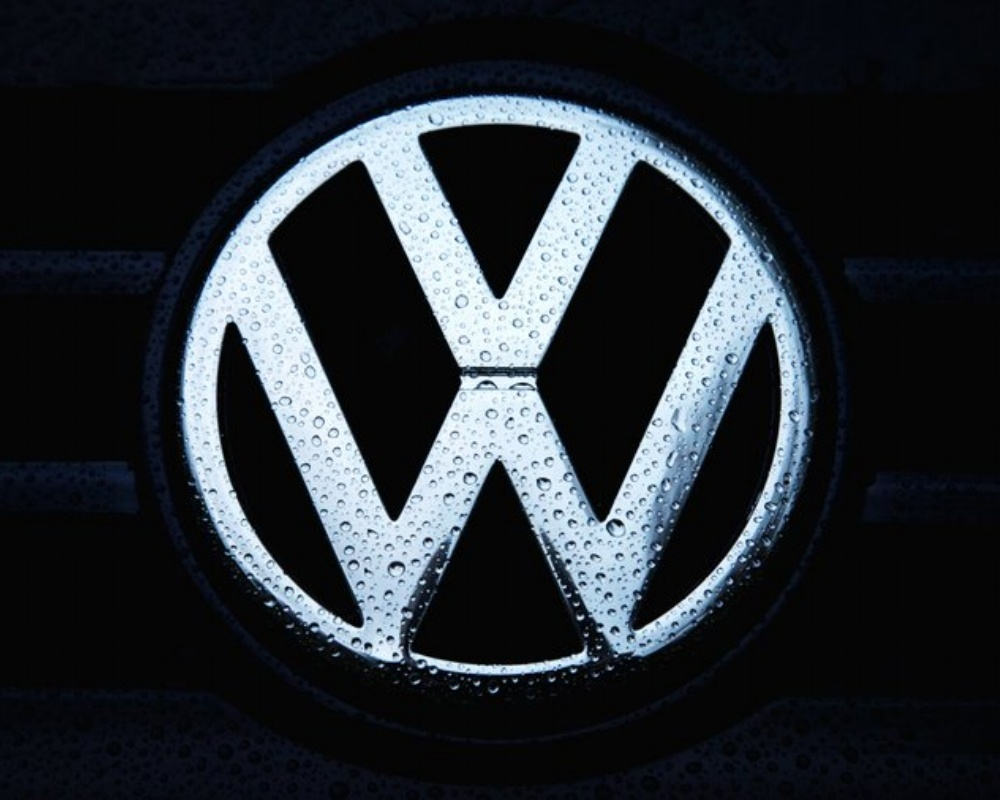 VW-678695-edited.jpg