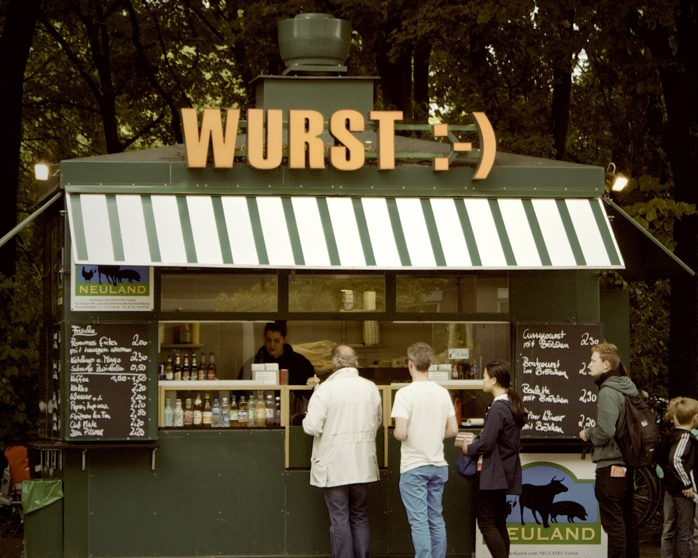lunch-germany-kiosk-line_copy-710353-edited.jpg