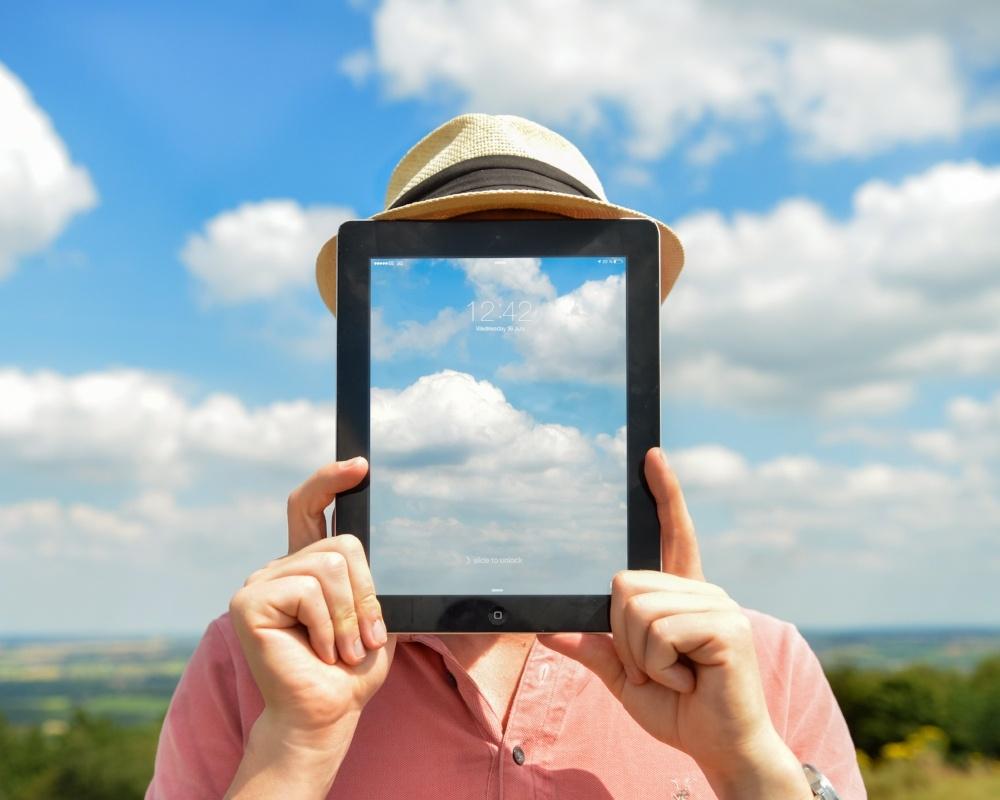man-person-clouds-apple_copy-601948-edited.jpg