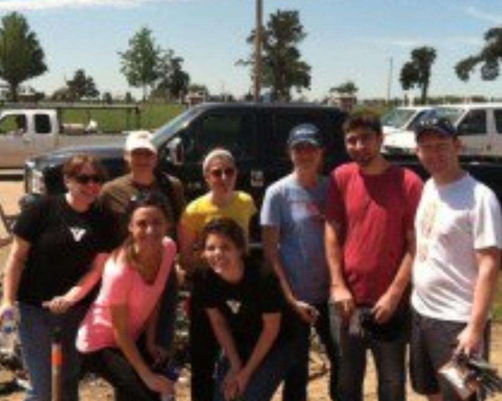 moore-tornado-vi-volunteer-210x210-1-872718-edited.jpg