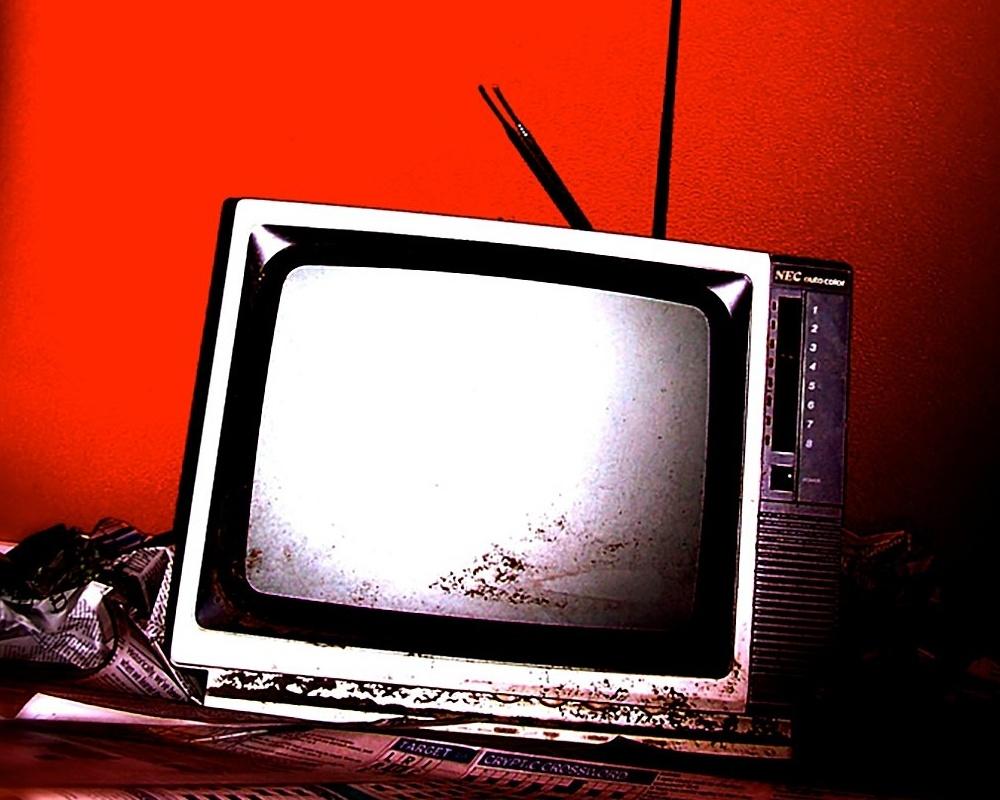 retro-tv-1161476_copy-469113-edited.jpg