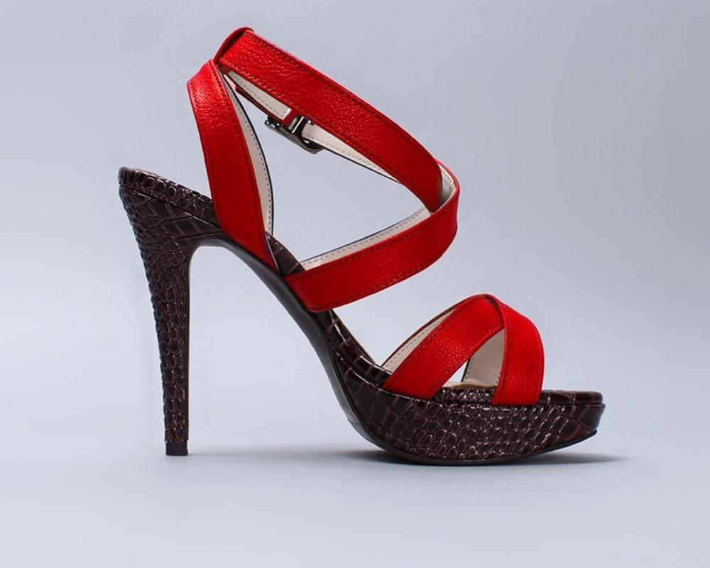 womens-heels-820646-edited.jpg